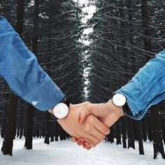 Matching Daniel Wellington watches, the perfect gift this Valentines day! Available on our website and in stores! #DanielWellington #valentines #watches