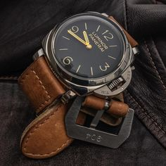 Panerai Luminor 372 | (via sophisticatedrogue)