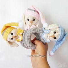 Bebeklerinize onlar gibi masum bir oyuncak örmek istemez misiniz?Bu masum uykucu çıngırak çocuğunuz en yakın arkadaşı olacak!
