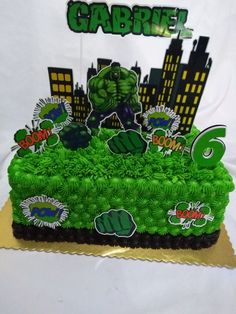 Hulk, Facebook Ana Lúcia Bento Monster Birthday Cakes, Hulk Birthday, Rectangle Cake, Cake Toppers, Avengers, Party, Incredible Hulk Party, Hulk Party, Birthday Cakes For Ladies