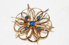 Vintage Brooch Pin Blue Rhinestone Gold Star by flattirevintage