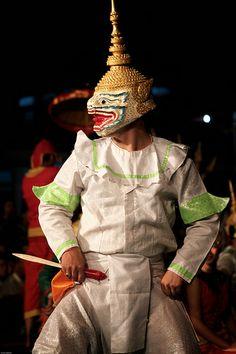 laos-luang-prabang-song-nam-phra-costume-mask-photo-by-cyril-eberle-CEB-7910.jpg