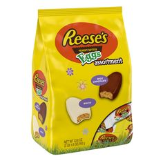 Savor the flavor of REESE'S Peanut Butter covered in rich milk chocolate or delicious white crme this Easter season! REESE'S Peanut Butter Eggs make a great addition to candy bowls and Easter baskets, no matter the flavor! Reese Eggs, Reese Peanut Butter Eggs, Peanut Candy, Gourmet Recipes, Snack Recipes, Snacks, Kosher Candy, Reese's Chocolate, Sweets