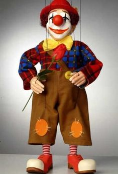 Clown - Quality Mari - Clown - Quality Marionettes Puppets and Collectibles --- #Theaterkompass #Theater #Theatre #Puppen #Marionette #Handpuppen #Stockpuppen #Puppenspieler #Puppenspiel