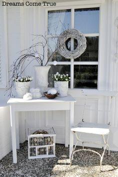 Dreams Come True - Porch Decorating Ideas Porch Decorating, Decorating Your Home, Deck Planters, Porch Planter, Garden Front Of House, Dreams Come True, Diy Porch, Diy Fence, Cute Home Decor