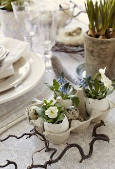 Get ready for an unforgettable Easter! Invite spring to your Easter table! Create a beautiful table decoration on the Easter table with fresh flowers of spring, Easter Tree, Easter Eggs, Easter Bunny, Easter Flowers, Deco Floral, Easter Celebration, Easter Holidays, Deco Table, Easter Crafts