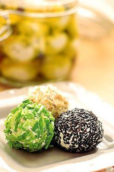 Friss pácolt sajt (labneh)   Fűszer és Lélek Grains, Bakery, Rice, Sweets, Food, Recipes, Cook, Cilantro, Yogurt