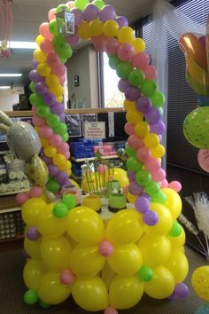 Large Balloon Easter Basket done with Link Balloons