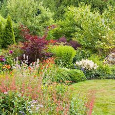 We love good garden inspiration. And we love flowers. Put 'em together, and you have fantastic flower beds, ready to make you run to the nursery or pull out those catalogs! So salivate over these... Read More