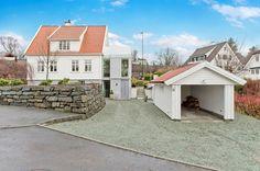 FINN – Hinna - Innbydende enebolig med moderne tilbygg. En bolig helt utenom det vanlige!