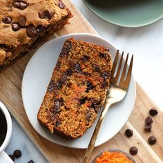 Get all of your healthy snack inspiration from Fit Foodie Finds right here! From sweet snacks to savory snacks to enery balls to muffins, we've got it all! Healthy Muffin Recipes, Healthy Muffins, Banana Bread Recipes, Healthy Treats, Eating Healthy, Carrot Cake Bread, Carrot Loaf, Chocolate Chip Banana Bread, Chocolate Chips