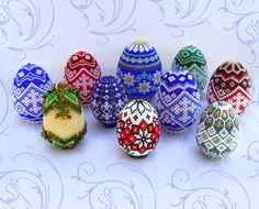 marinache.gallery.ru-1 http://biser.info/albom/32233 http://biser.info/albom/35564  and many more tutorials for the beautiful beaded Easter eggs
