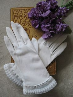 Vintage White Nylon Gloves with Dainty by WhenRosesBloomShop