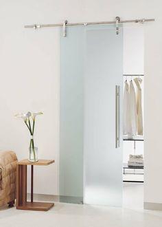Schiebetüren-mattes-Glas-Raumteiler-Ankleidezimmer