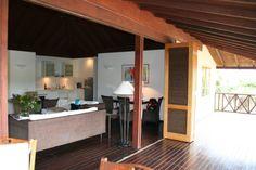 living room to veranda, doors