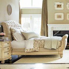 Monroe King Bed in White Veil