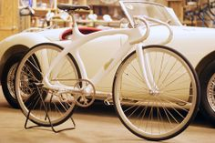 A classic Corima track bike Road Bikes, Cycling Bikes, Urban Bike, Fixed Gear Bike, Bike Style, Men's Style, Cool Bicycles, Bike Parts, Bicycle Design