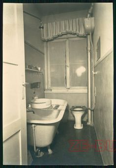 vintage photo NICE BATH ROOM INTERIOR STILL LIFE 1930s | eBay