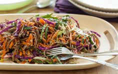 (Sub 15 drops stevia for honey and omit sesame seeds) Rainbow Soba Salad - A versatile salad of great veggies and whole grain buckwheat soba noodles. Prepare it in about 20 minutes to enjoy as a light meal (add your favorite protein; serves or side di Whole Foods Market, Soba Salad, Pasta Salad, Clean Eating, Healthy Eating, Healthy Food, Healthy Lunches, Healthy Dinners, Healthy Treats