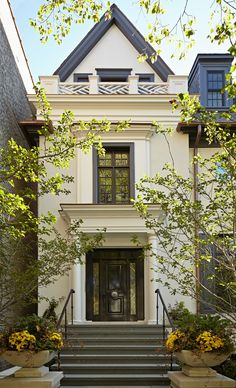 "georgianadesign: ""'Urban Georgian' residence, Chicago. Burns and Beyerl Architects. Nathan Kirkman Photography. """