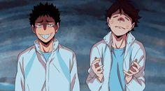 Iwaizumi and Oikawa - haikyuu Manga Haikyuu, Haikyuu Funny, Manga Anime, Haikyuu Gif, Oikawa X Iwaizumi, Iwaoi, Bokuto Koutarou, Haikyuu Volleyball, Volleyball Anime