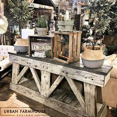 Always aspired to discover how to knit, nevertheless unclear where to start? This kin. Urban Farmhouse Designs, Antique Booth Displays, Rustic Side Table, Boutique Decor, Reclaimed Barn Wood, Reclaimed Furniture, Rustic Farmhouse Decor, Industrial House, Interior Design Living Room