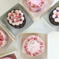 cake decoration inspiration: nectar and stone