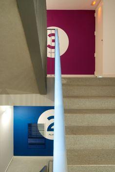 "Projeto realizado pelo estúdio Conrad Torras de Barcelona para o edifício da antiga Sala de Baile ""La Cibeles"" localizado no número 363 da rua Córsega de Barcelona."