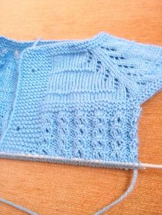 This Pin was discovered by GUL Easy Baby Knitting Patterns, Baby Girl Patterns, Baby Cardigan Knitting Pattern, Baby Afghan Crochet, Knitting Stitches, Knitting Designs, Crochet Pattern, Diy Crafts Knitting, Knitted Baby Clothes