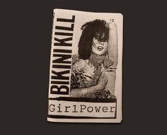 Em 1991, num contexto intenso de produção gráfica de teor feminista surge um zine com alguma importância dentro da cultura feminista underground: o Bikini Kill Girl Power.