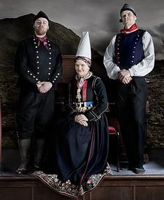 FolkCostume: Þjóðbúningurinn, National costumes of Iceland, part 5, Mens costume