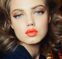 lindsey wixson retro beauty makeup make up fashion orange lipstick Makeup Trends, Beauty Trends, Makeup Tips, Beauty Makeup, Eye Makeup, Beauty Hacks, Hair Makeup, Hair Beauty, Soft Makeup