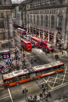 Reaching Picadilly Circus, London  by Luis Manuel.