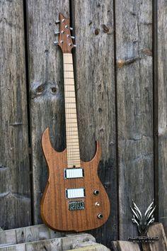 Hufschmid Helldunkel !  #hufschmid #luthier #luthiery #lutherie #tonewood #plectrum #sevenstring #wiredguitarist #エレキギター #guitargear #guitarporn #guitarpicks #handmadeguitars #fretwork #ギター #guitartech #instaguitar #guitarbuilding #guitar #guitarist #guitartone #guitare #electricguitar #nocnc #guitars #guitarworld #吉他 #🎸#neckcarving #guitarbuilder