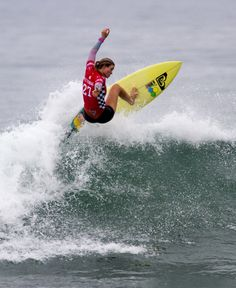 786b893ade6308 Bianca Buitendag in the Semifinals of the 2015  VansUSOpen Surf  Competition