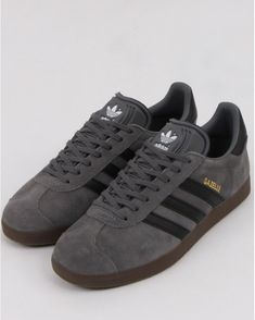 Adidas Gazelle Grey, Watches For Men Unique, Full Tracksuit, Minimalist Shoes, Mens Joggers, Training Shoes, Vintage Shoes, Adidas Shoes, Adidas Originals