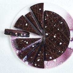 """Snup den gode opskrift på cookietærte fra Maja Vases nye opskriftsbog """"Majas desserter""""."""