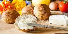 Frisch selbst gebacken & wunderbar duftend, was gibt es Schöneres zum Frühstück. Du wirst diese Low Carb Brötchen lieben :D (Low Carb Breakfast)