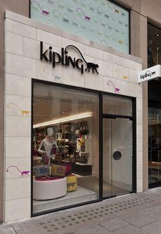 Kipling store by UXUS, London store design