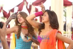 'Yeh Jawaani Hai Deewani' still feat. Deepika Padukone, Kalki Koechlin