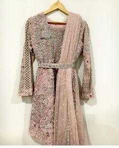 Pakistani Formal Dresses, Muslim Wedding Dresses, Pakistani Outfits, Indian Dresses, Kebaya Modern Dress, Kebaya Dress, Hijab Dress Party, Party Wear Dresses, Pakistani Lehenga