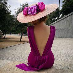 Ideas for style fashion elegant hats Fall Dresses, Evening Dresses, Formal Dresses, Look Fashion, Trendy Fashion, Fancy Hats, Wedding Hats, Dress Wedding, Elegant Outfit