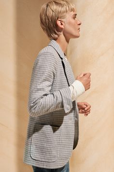 ME+EM's Wool Check Blazer is the perfect chic cover-up. Crafted from supersoft Italian wool, it features a sky blue check print that is classic enough to go with everything in your wardrobe, from smart workwear tailoring to relaxed denim. Blazers For Women, Jackets For Women, Satin Joggers, Dress Code Casual, Boyfriend Blazer, Evening Tops, Checked Blazer, Blue Check, Dress Codes
