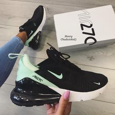 There is 0 tip to buy shoes, nike air. Help by posting a tip if you know where to get one of these clothes. Cute Sneakers, Shoes Sneakers, Chanel Sneakers, Converse Shoes, Souliers Nike, Nike Air Shoes, Girls Nike Shoes, Cool Nike Shoes, Nike Air Max