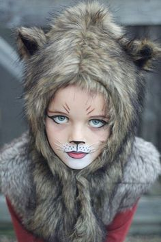 38 Gorgeous Cat Makeup Ideas For Halloween Party That Will Amaze You - All kids can enjoy getting a face painting of a cat, the only difference is the paint colors you choose. Little girls will want their cat face paint t. Halloween Makeup For Kids, Halloween Kostüm, Halloween Costumes, Wolf Make Up Halloween, Kids Cat Makeup, Halloween Tutorial, Fox Costume, Cat Costumes, Girls Wolf Costume