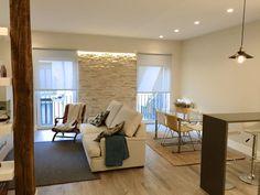 Finde moderne Wohnzimmer Designs von EKIDAZU. Entdecke die schönsten Bilder zur Inspiration für die Gestaltung deines Traumhauses.