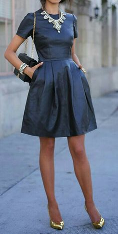 una collana per impreziosire un vestito