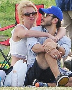 Pin for Later: The Weekend's Must-See Snaps!  On Sunday, Britney Spears and boyfriend Charlie Ebersol were too adorable for words while watching her kids play soccer in Calabasas, CA.