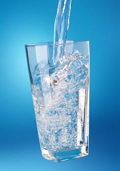 Alkaline Water keeps you healthy Kangen Water, Therapeutic Grade Essential Oils, Organic Oil, Glass Of Milk, Healthy Life, Make It Yourself, Pure Products, Rolls Royce, Philosophy