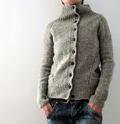 Ravelry: Project Gallery for Naima pattern by ANKESTRiCK